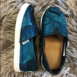 Girl's TOMS Peacock Shoes